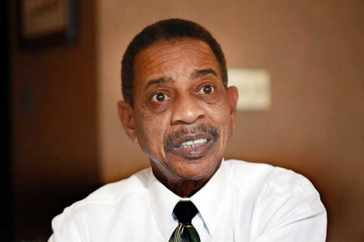 Bob Warfield chief communications officer for Detroit Mayor Dave Bing
